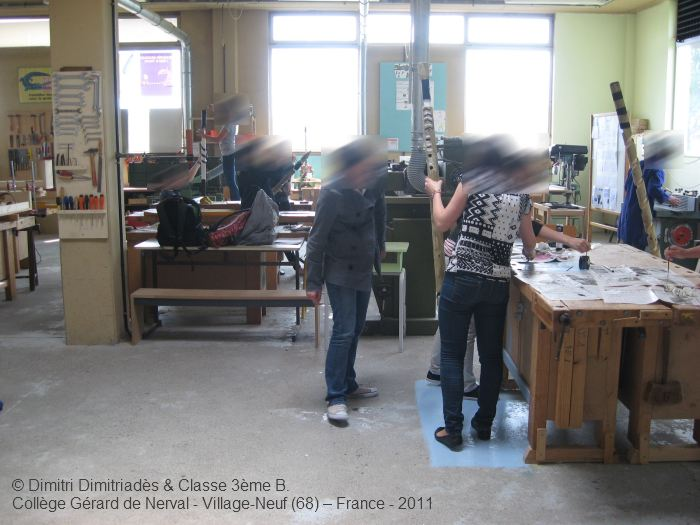 Dimitri Dimitriadès, Projet E3 –Projet «Sculptur'E», les élèves dans l'atelier. (Project «Sculptur'E», the pupils in the workshop, 2011.)