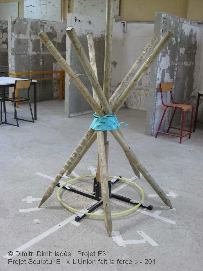 Dimitri Dimitriadès, Projet E3 –Projet «Sculptur'E1, L'Union fait la force », essai de montage. (Project «Sculptur'E 1, Unity is strength », test of assembly, 2011)