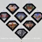 «E'ye: What is art?» Version I – 1 : 1 - 8.2013 - 2014. Première partie de l'Installation format diamant. 8 toiles sur châssis de 20 x 20 cm. 8 Photographies argentiques de 13 x 17 cm., 8 cartels (données techniques de chaque oeuvre), cadres bords noirs. Dimension total de l'installation : Hauteur 83 cm. Largeur 98 cm. «E'ye: What is art?» Version I – 1 : 1 - 8. 2013 – 2014. First part of the Installation format diamond. 8 Canvas of 7,8 x 7,8 in. 8 analog photographs of 5 x 7 in., 8 cartels (technical data of each work), black edges frames. Total size of the installation : Height 32,6 in. Width 38,5 in.