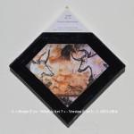 «E'ye: What is art?» I – 1. 1. 2013 - 2014. Photographie argentique de 13 x 17 cm. Découpé et marouflé sur une toile de 20 x 20 cm. Bords en format de diamant noir. Cartel : XXème millénaire, 22.000 avant J.C. Têtes de taureaux>, peint sur le rocher, dimension 4.90 m. Lascaux, Dordogne, France. Photo: Prof saxx / wikimedia commons «E'ye: What is art?» I – 1. 1. 2013 - 2014. Analog photography of 5.1 x 6.7 in. Cut and maroufled on a canvas of 7.9 x 7.9 in. Edges in format of diamond, black color. Cartel : XXth millennium, 22.000 before J.C. Bulls Head, painted on the rock, the dimension 192.9 in. Lascaux, Dordogne, France. Photo: Prof saxx / wikimedia commons