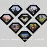 «E'ye: What is art?» Version I – 1 : 9 – 16. 2013 - 2014. Première partie de l'Installation format diamant. 8 toiles sur châssis de 20 x 20 cm. 8 Photographies argentiques de 13 x 17 cm., 8 cartels (données techniques de chaque oeuvre), cadres bords noirs. Dimension total de l'installation : Hauteur 83 cm. Largeur 98 cm. «E'ye: What is art?» Version I – 1 : 9 - 16. 2013 – 2014. First part of the Installation format diamond. 8 Canvas of 7,8 x 7,8 in. 8 analog photographs of 5 x 7 in., 8 cartels (technical data of each work), black edges frames. Total size of the installation : Height 32,6 in. Width 38,5 in.